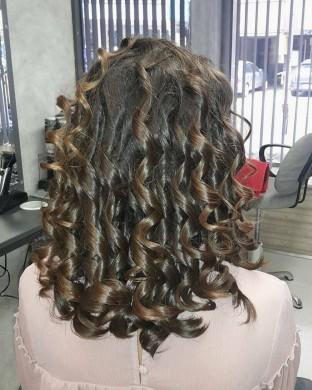 Маша или ролки на Средно дълга коса