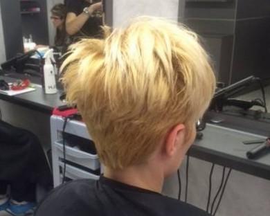 Изправяне на къса коса с Преса или Сешоар
