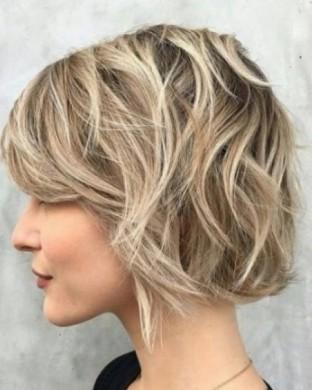 Дифузер на Средно дълга коса