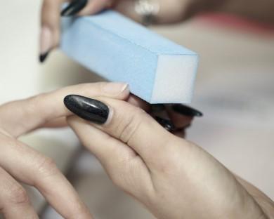 Полиране на нокти